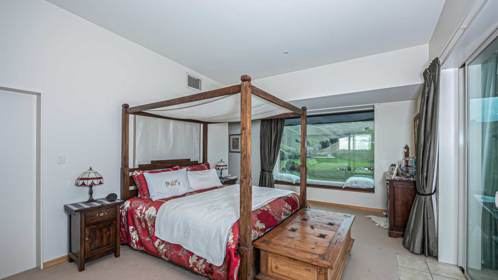 mountainview-suite-bed-vacation-rental-in-bleinhem-new-zealand-mountainview-villa-nz