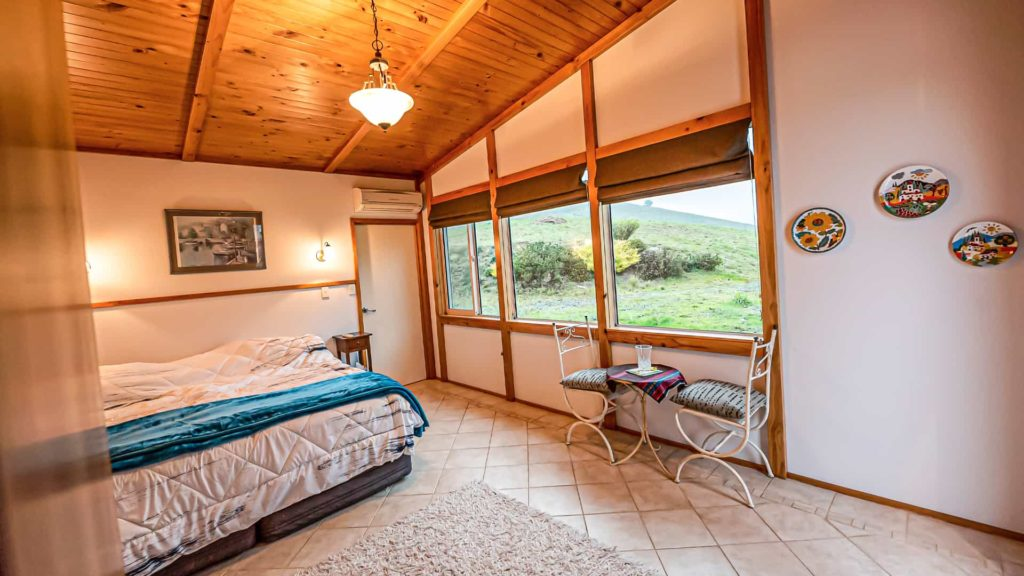 witherhills-suite-windows-vacation-rental-in-bleinhem-new-zealand-mountainview-villa-nz