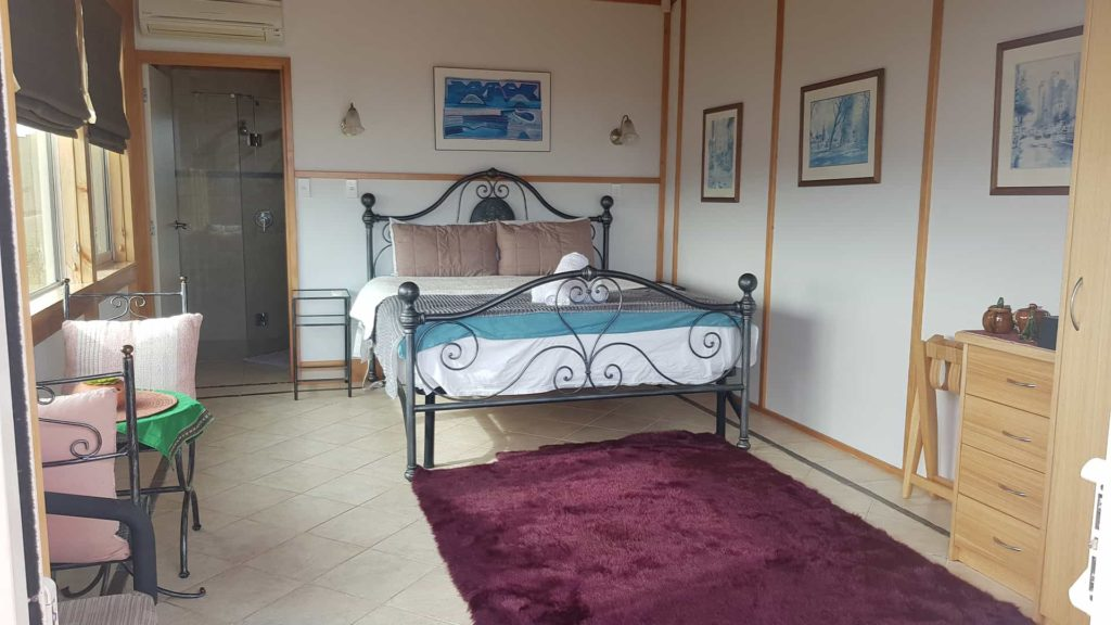 ocien-view-suite-front-vacation-rental-in-bleinhem-new-zealand-mountainview-villa-nz